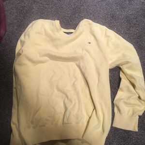 Yellow Tommy Hilfiger sweater size XL